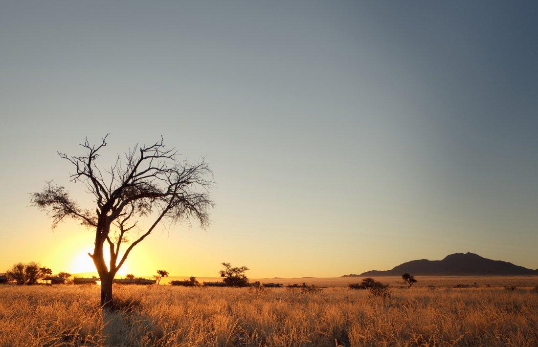 Namibia Sossusvlei Desert Camp Sonnenuntergang Iwanowskis Reisen - afrika.de