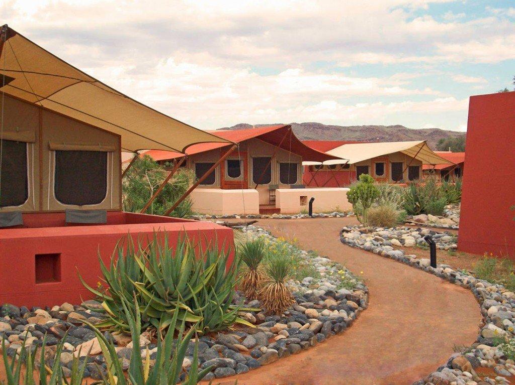 Namibia Sossusvlei Lodge Chalets Iwanowskis Reisen - afrika.de