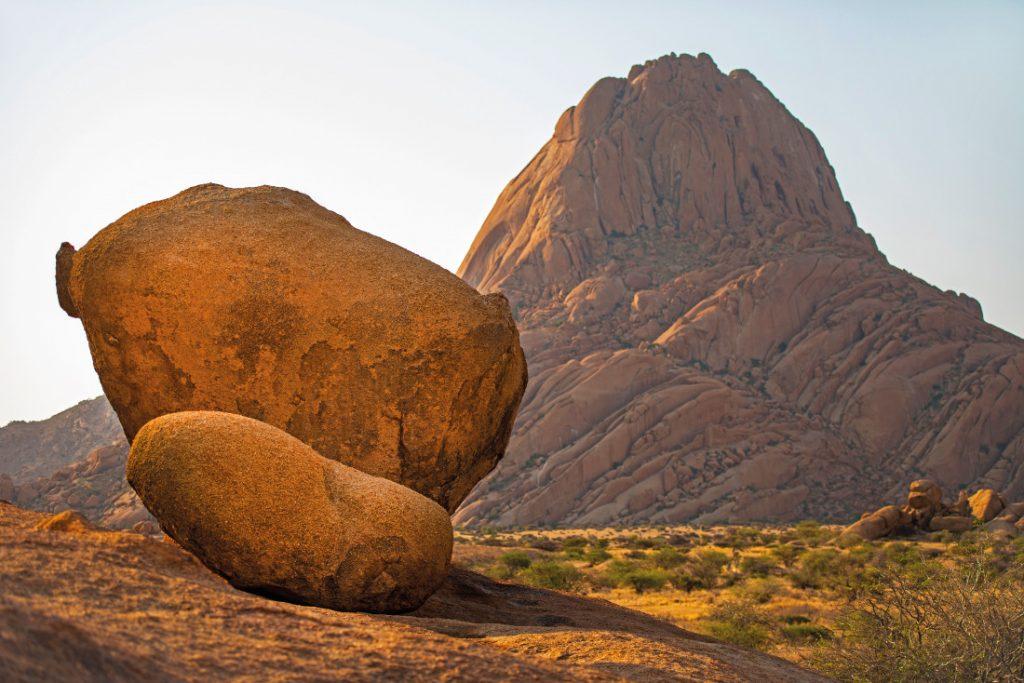 Namibia Spitzkoppe Nomad Safaris Iwanowskis Reisen - afrika.de