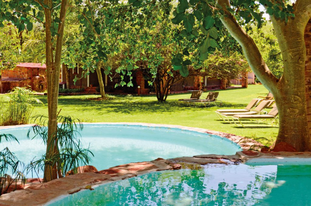 Namibia Waterberg Wilderness Lodge Pool Iwanowskis Reisen - afrika.de