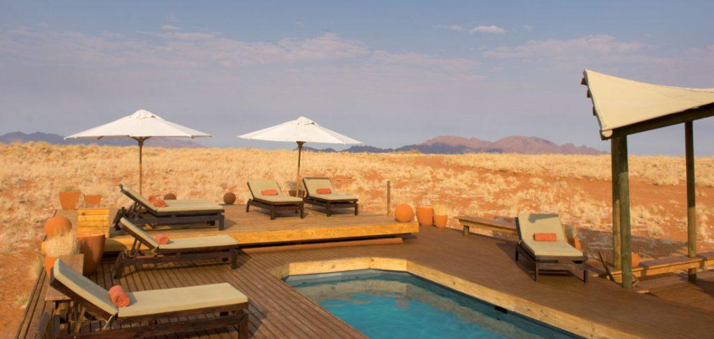 Namibia NamibRand Nature Reserve Wolwedans Dunes Lodge Pool Iwanowskis Reisen - afrika.de