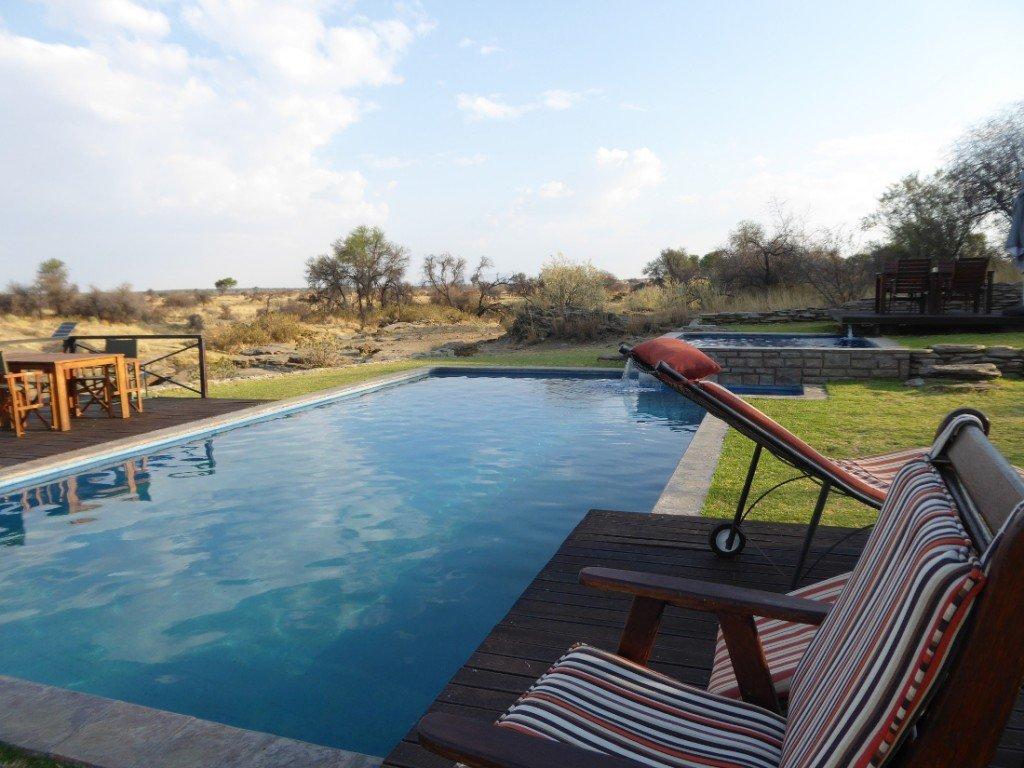 Namibia Naankuse Lodge Pool Iwanowski's Reisen - afrika.de