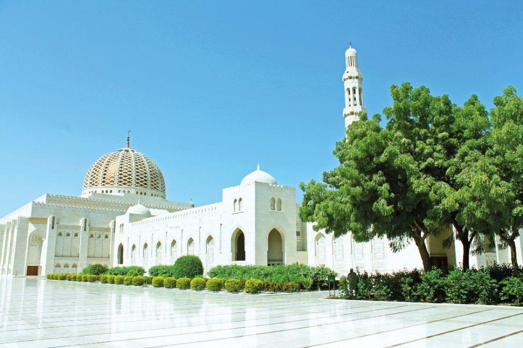 Oman Rundreise Gruppenreise Muskat Muscat Maskat Große Moschee Iwanowskis Reisen - afrika.de