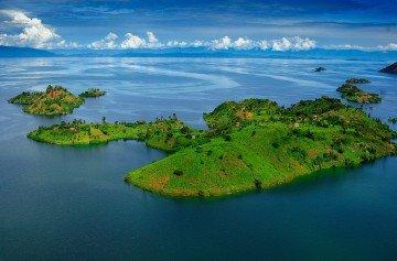 Ruanda Lake Kivu Luftansicht Iwanowskis Reisen - afrika.de