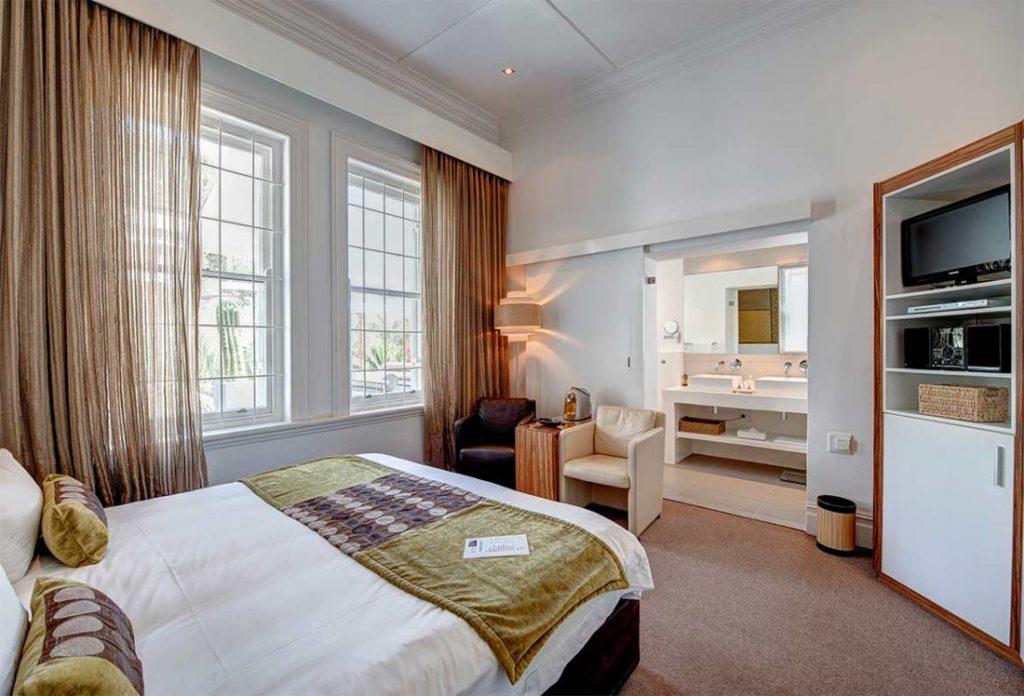 Südafrika Kapstadt 2inn1 Kensington Standard Zimmer Iwanowskis Reisen - afrika.de