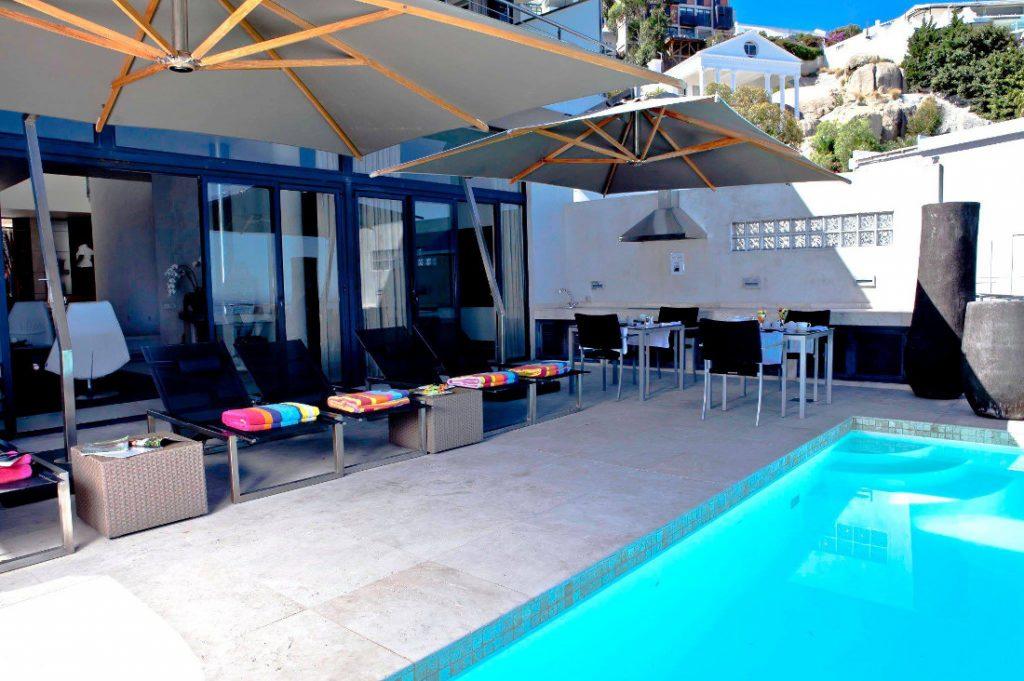 Südafrika Kapstadt 52 de Wet Terrasse Zimmer Iwanowskis Reisen - afrika.de