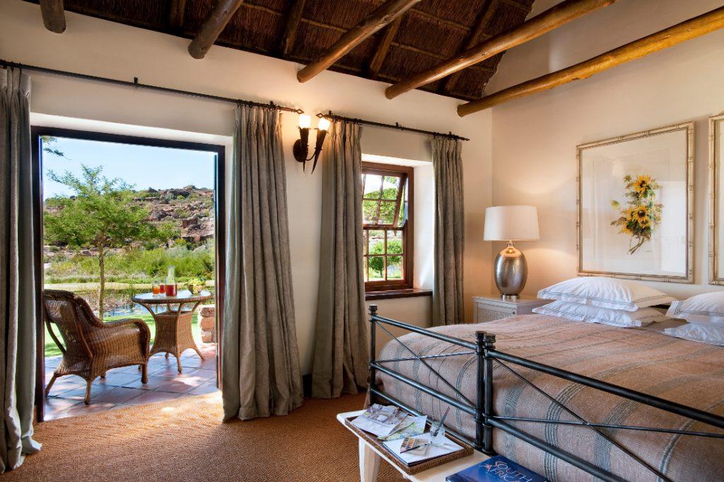 Südafrika Cederberge Bushmans Kloof Luxury Zimmer Iwanowskis Reisen - afrika.de