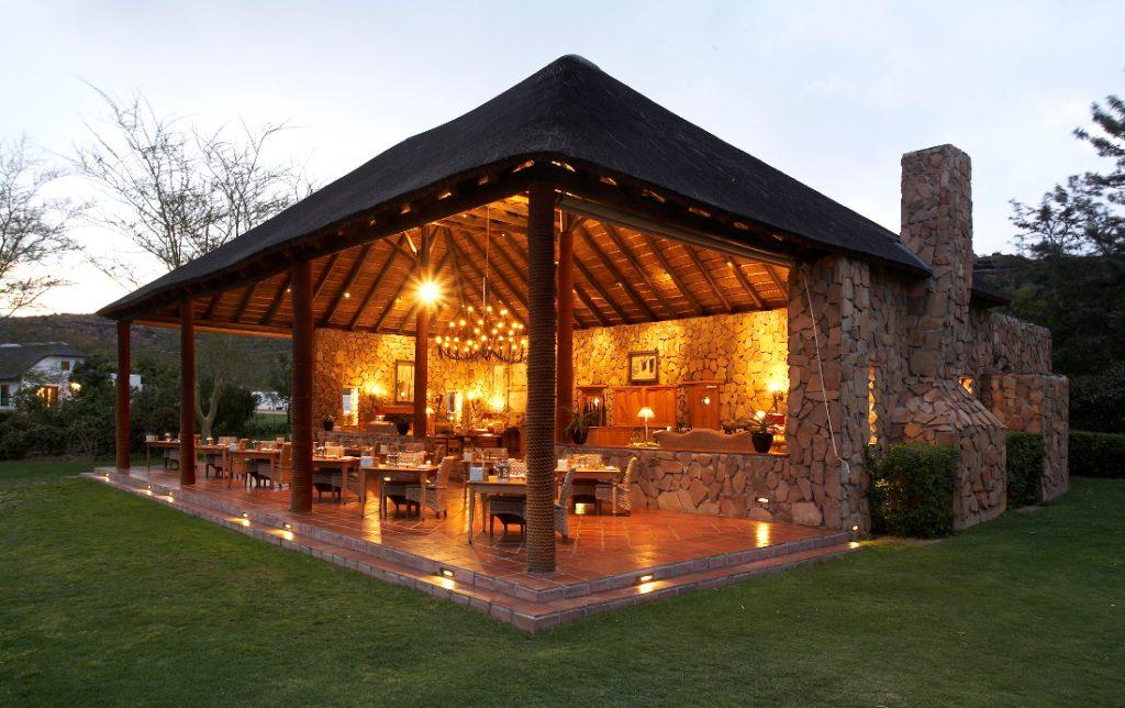 Südafrika Cederberge Bushmans Kloof Restaurant Iwanowskis Reisen - afrika.de