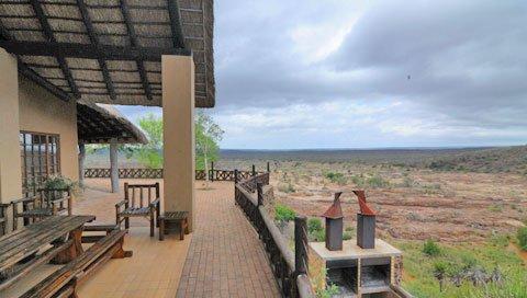 Südafrika Krüger National Park Camp Olifants Terrasse Ausblick Iwanowskis Reisen - afrika.de