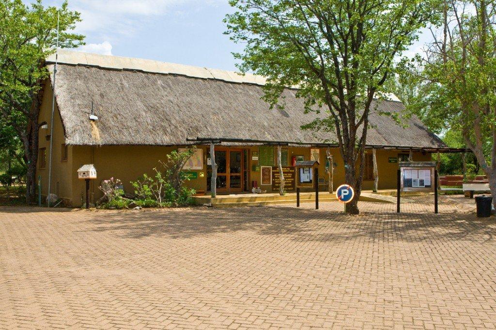 Südafrika Krüger National Park Camp Olifants Bungalow Iwanowskis Reisen - afrika.de