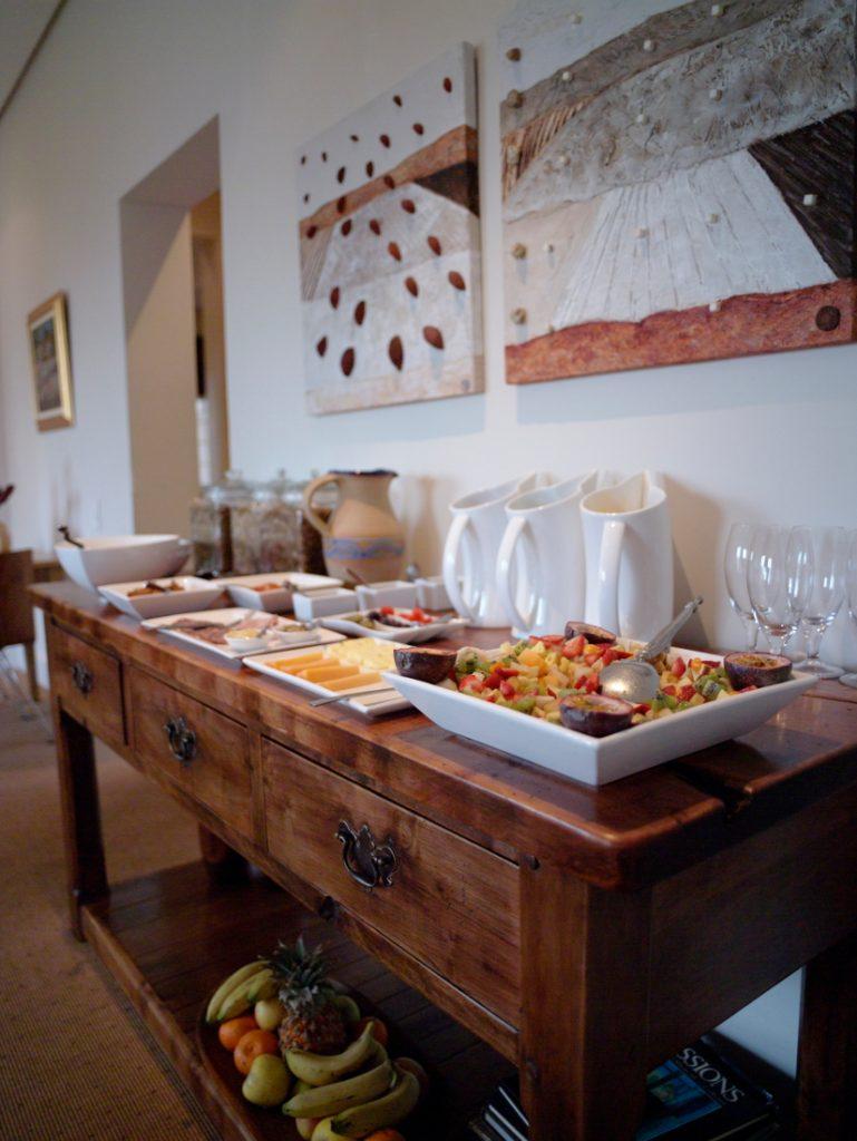 Südafrika Kapstadt Four Rosmead Frühstücksbuffet Iwanowskis Reisen - afrika.de