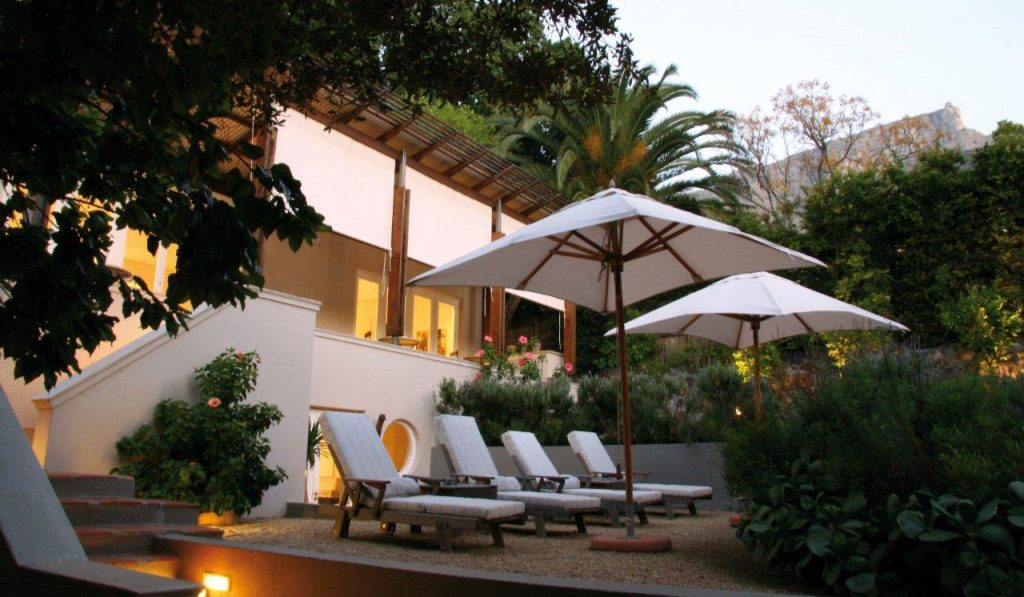 Südafrika Kapstadt Four Rosmead Garten Iwanowskis Reisen - afrika.de