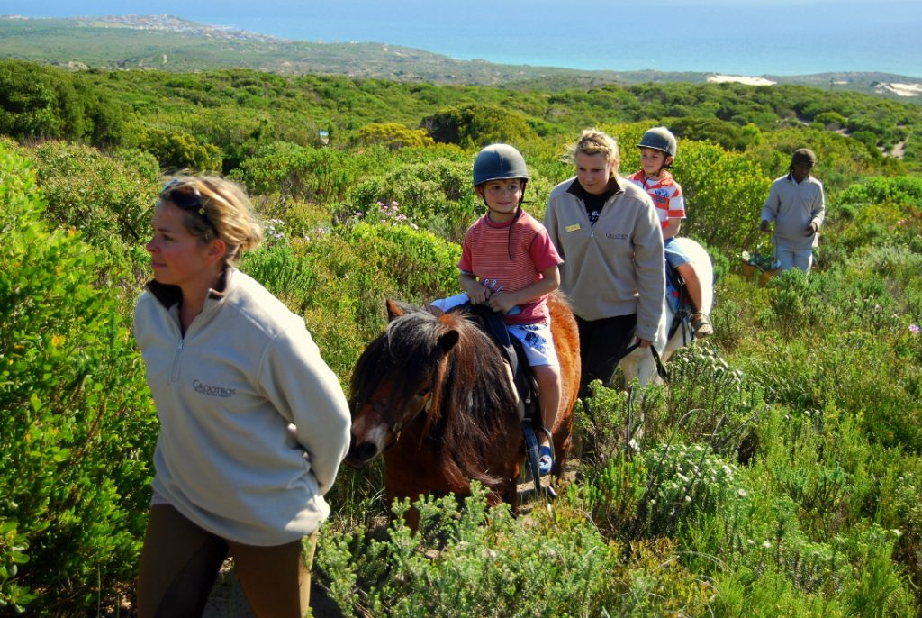 Südafrika Hermanus Grootbos Nature Reserve Reitausflug Kinder Iwanowskis Reisen - afrika.de