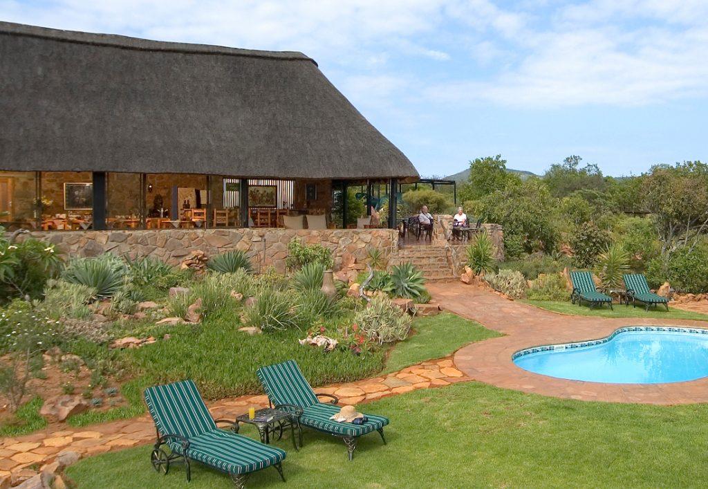 Südafrika Ohrigstad Iketla Lodge Pool Iwanowskis Reisen - afrika.de