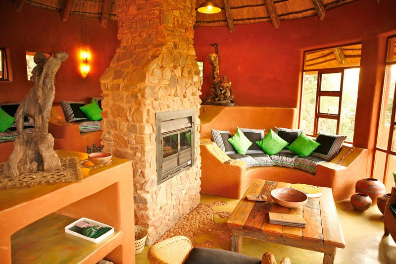 Südafrika Leshiba Wilderness Venda Village Lodge Lounge