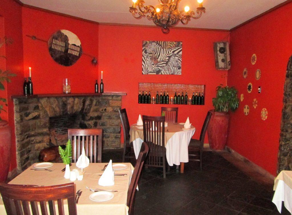 Südafrika Swasiland Mantenga Lodge Restaurant Iwanowskis Reisen - afrika.de