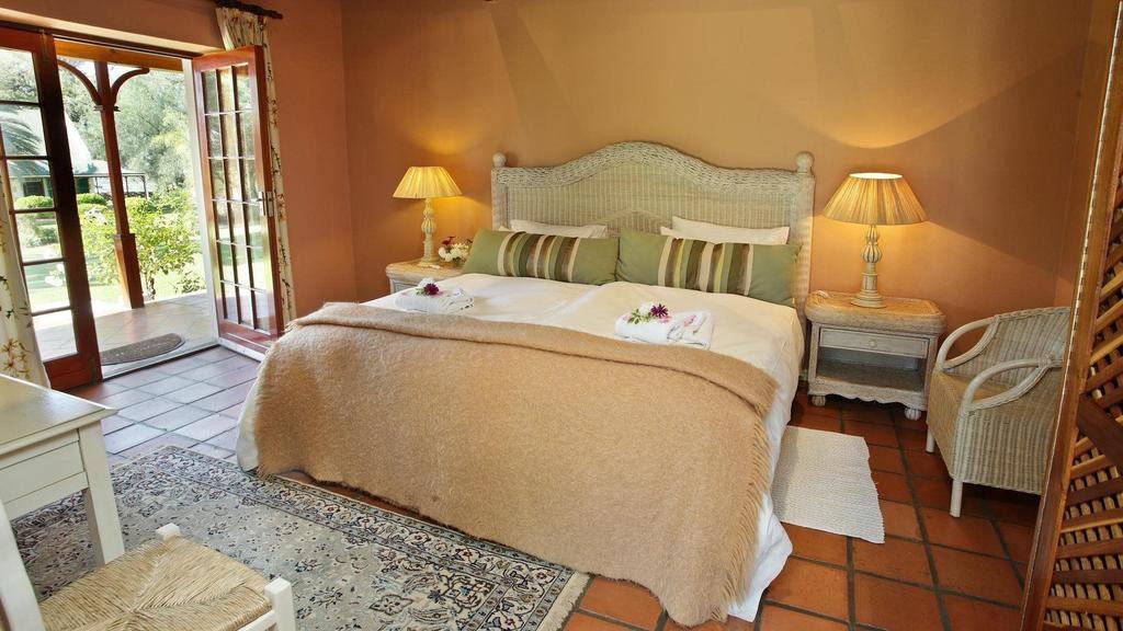 Südafrika Oudtshoorn Montana Guest Farm Zimmer Palm Bishop Iwanowskis Reisen - afrika.de