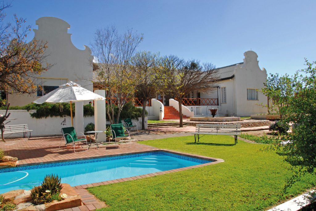 Südafrika Springbok Naries Namaqua Retreat Pool Iwanowskis Reisen - afrika.de