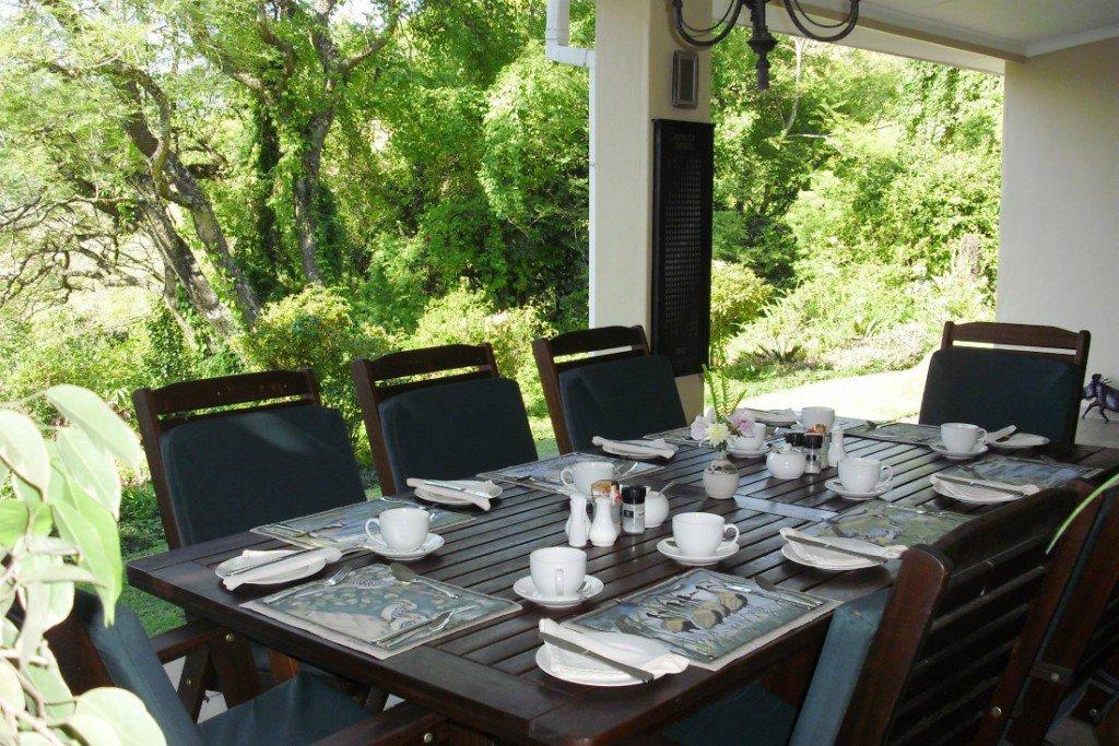 Südafrika Mpumalanga Porcupine Ridge Guest House Terrasse Frühstück Iwanowskis Reisen - afrika.de