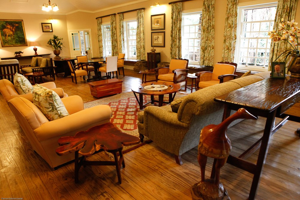 Südafrika Swasiland Reillys Rock Hilltop Lodge Lounge Iwanowskis Reisen - afrika.de