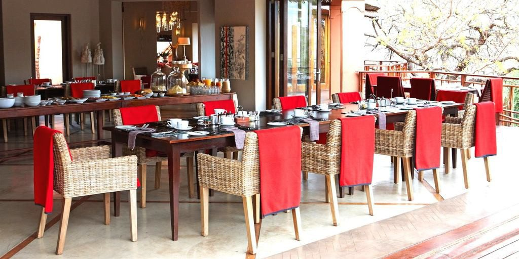 Südafrika Hluhluwe Thanda Main Lodge Restaurant Iwanowskis Reisen - afrika.de