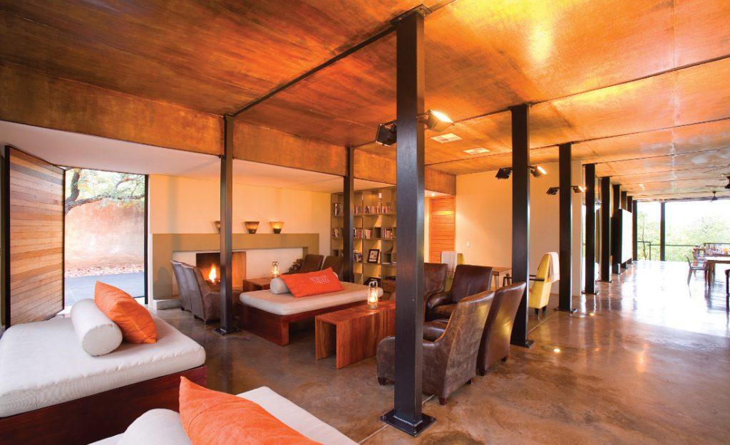 Südafrika Krüger National Park The Outpost Lounge Iwanowskis Reisen - afrika.de