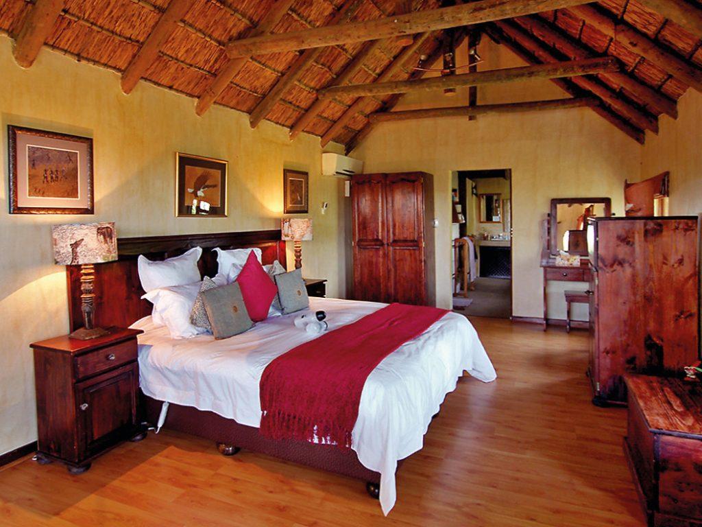 Südafrika Eastern Cape Amakhala Woodbury Lodge Zimmer Iwanowskis Reisen - afrika.de