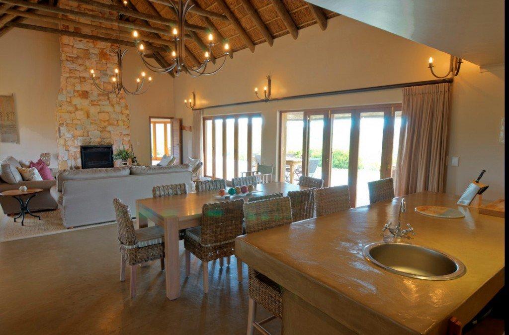 Südafrika Gondwana Game Reserve Bush Villa Iwanowskis Reisen - afrika.de