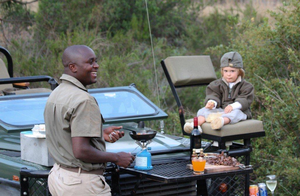 Südafrika Gondwana Game Reserve Pirschfahrt mit Kindern Iwanowskis Reisen - afrika.de