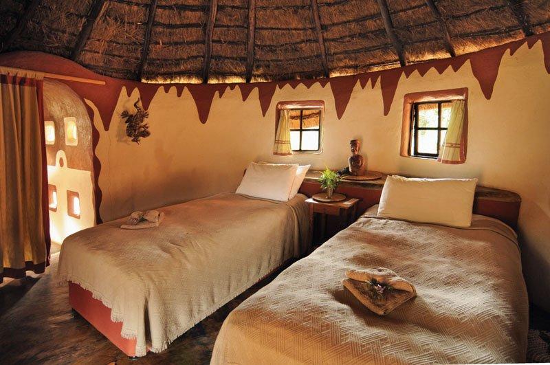Südafrika Leshiba Wilderness Venda Village Lodge Zimmer