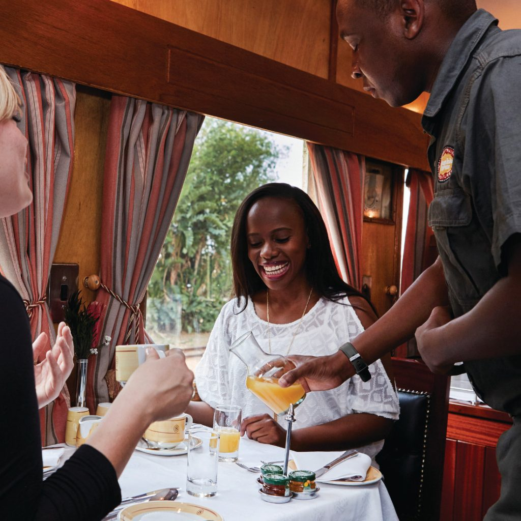 Südafrika Simbabwe Mosambik Shongololo Express Speisewagen Iwanowskis Reisen - afrika.de