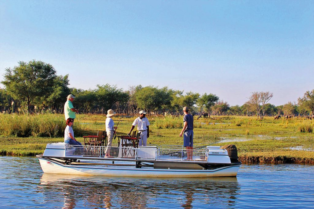 Sambia Lower Zambezi National Park Amanzi Tented Camp Bootsfahrt Iwanowskis Reisen - afrika.de