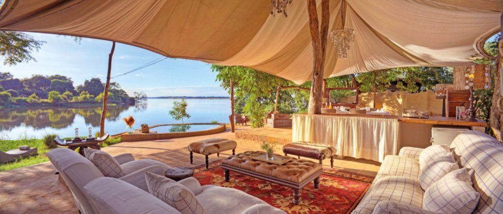 Sambia Lower Zambezi National Park Chongwe River Camp Lounge Iwanowskis Reisen - afrika.de