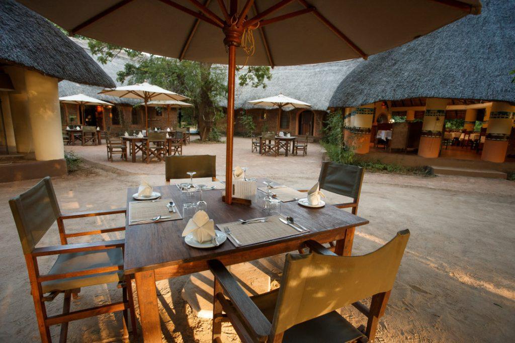 Sambia South Luangwa National Park Flatdogs Camp Iwanowskis Reisen - afrika.de