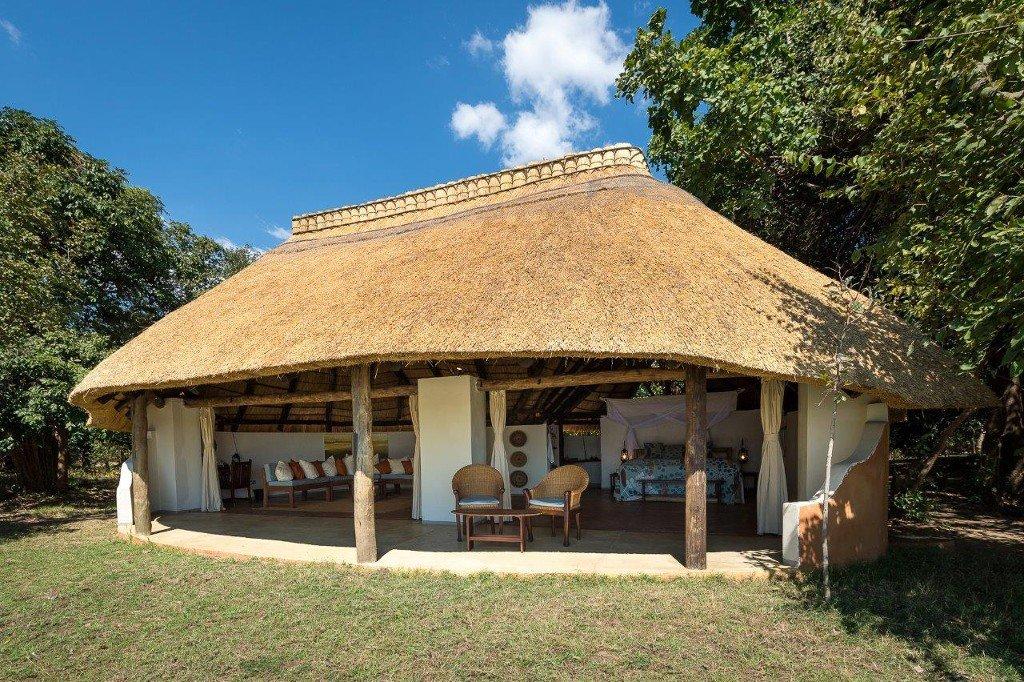 Sambia South Luangwa Nationalpark Nkwali Camp Unterkunft1 buchbar bei Iwanowski's Reisen - afrika.de
