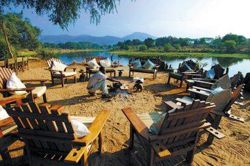 Sambia Chonwge River Camp Lagerfeuer Iwanowskis Reisen - afrika.de