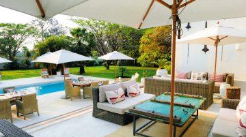 Sambia Latitude 15 Hotel Terrasse Iwanowskis Reisen - afrika.de
