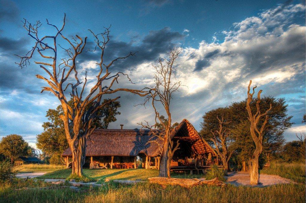 Simbabwe Hwange Nationalpark Bomani Tented Lodge Hauptlodge Iwanowskis Reisen - afrika.de