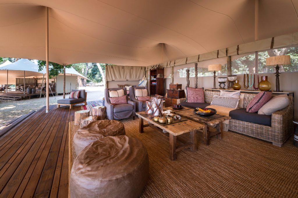 Simbabwe Mana Pools National Park Little Ruckomechi Camp Lounge Iwanowskis Reisen - afrika.de