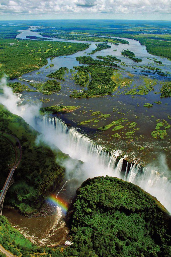 Simbabwe Victoria Falls Viktoriafälle Iwanowskis Reisen - afrika.de