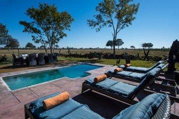 Simbabwe Little Makolo Camp Pool Iwanowskis Reisen - afrika.de