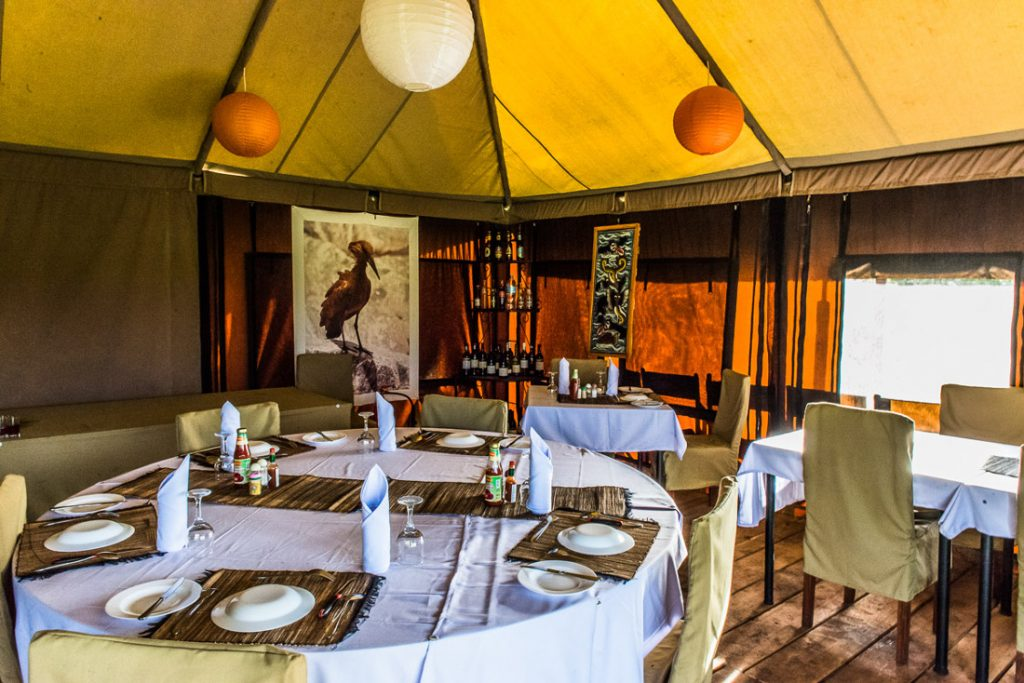 Tansania Ngorongoro Krater Angata Ngorongoro Camp Speisezelt Iwanowskis Reisen - afrika.de