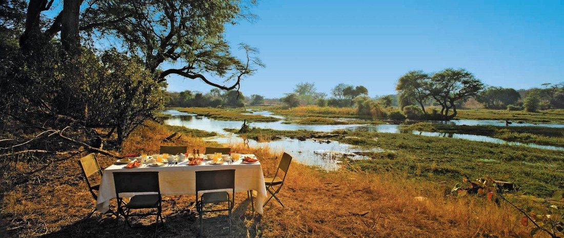 Tansania Ruaha National Park Jongomero Buschfrühstück Iwanowskis Reisen - afrika.de