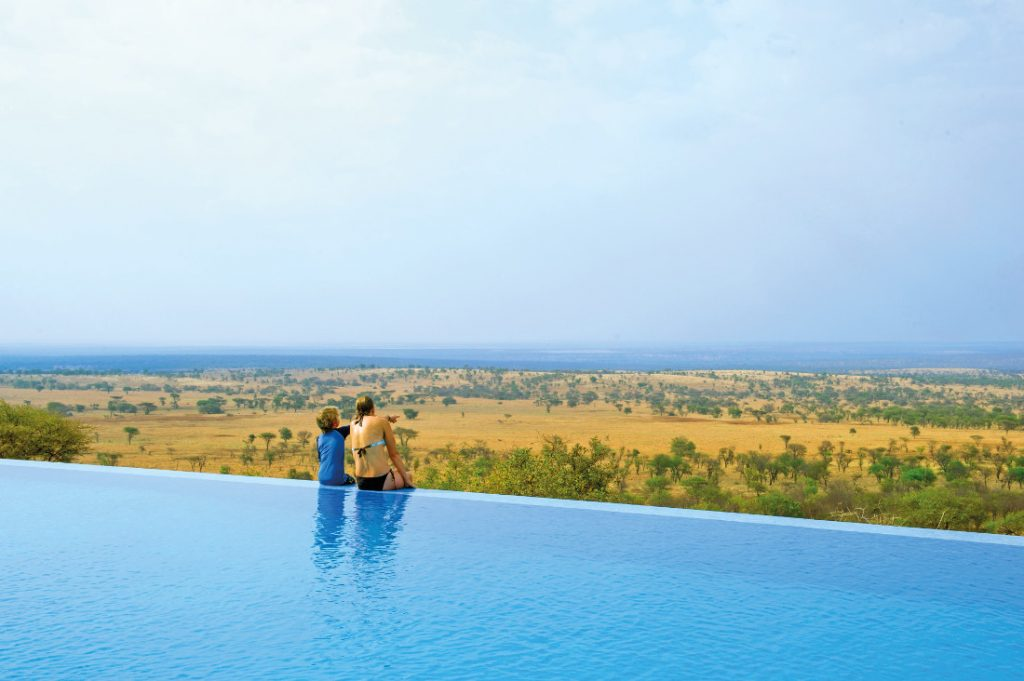 Tansania Serengeti National Park Kubu Kubu Lodge Pool Iwanowskis Reisen - afrika.de