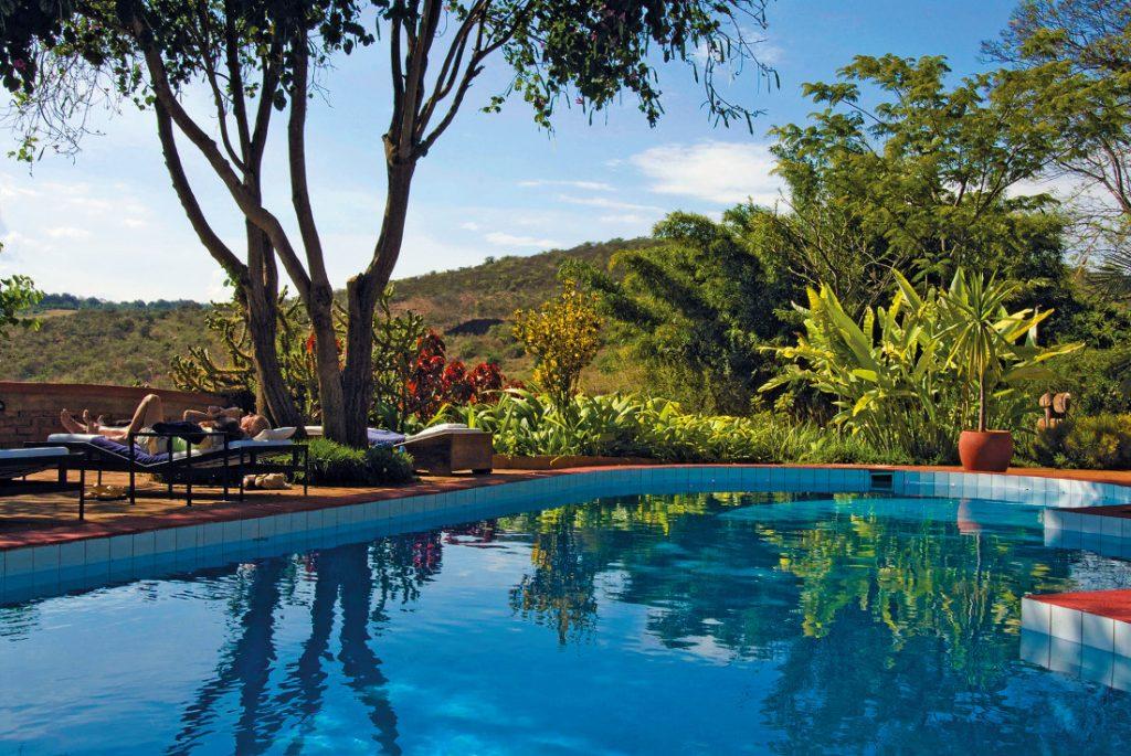 Tansania Ngorongoro Hochland Plantation Lodge Pool Iwanowskis Reisen - afrika.de