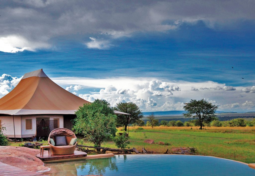 Tansania Serengeti Sayari Camp Pool Iwanowskis Reisen - afrika.de