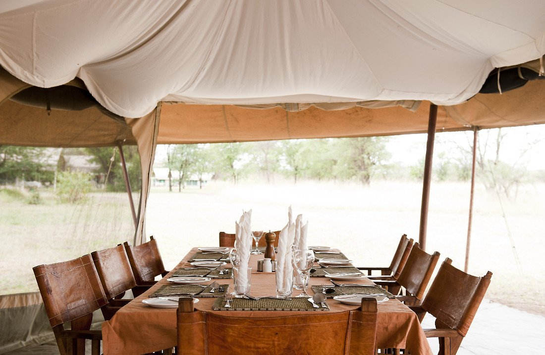 Tansania Serengeti National Park Serengeti Kati Kati Camp Essenszelt Iwanowskis Reisen - afrika.de