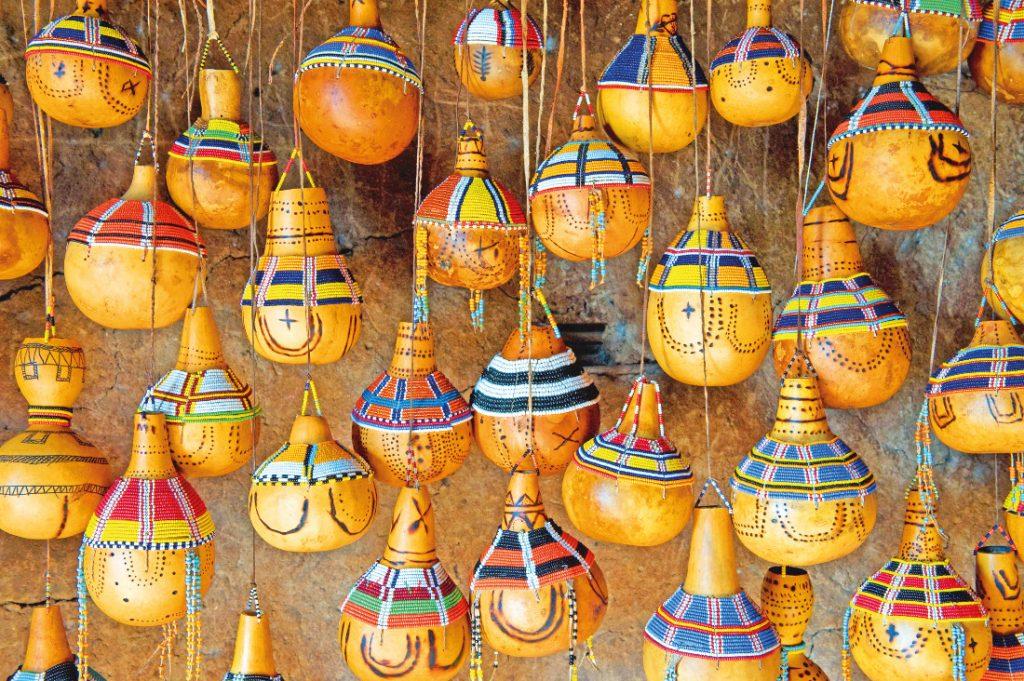 Tansania Lokales Kunsthandwerk Iwanowskis Reisen - afrika.de