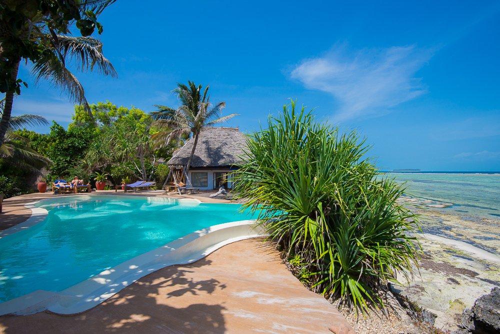 Tansania Sansibar Matemwe Lodge Pool Iwanowskis Reisen - afrika.de