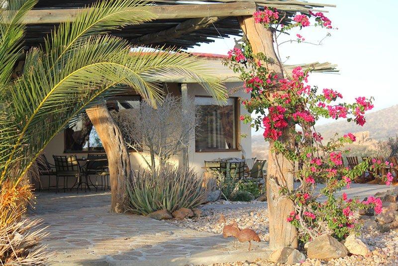 Namibia Erongo Gebirge Hohenstein Lodge Iwanowski's Reisen - afrika.de